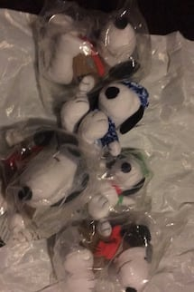 5 snoopy dogs all brand new for just five dollars