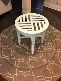 Round glass table 4ftx2ft6 Powder Springs, 30127