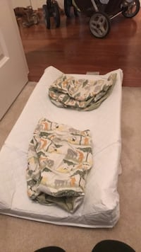 changing pad with two fitted sheets  Ashburn, 20148