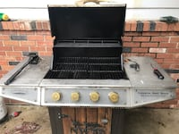 Gray and black gas grill Chicago, 60634