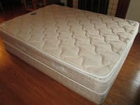 White and gray floral mattress 7239 km