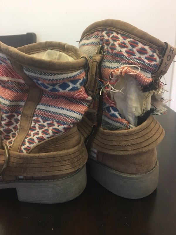 3227f73b3dac Used brown and white suede boots for sale in Nanaimo - letgo