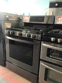 GE gas stove *NEW* (scratch and dent) Reisterstown, 21136