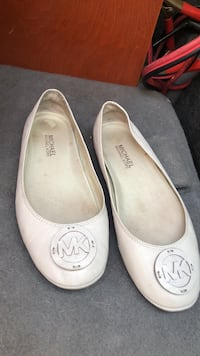 pair of white leather flats Martinsburg, 25401