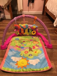 Baby play mat with piano Leesburg, 20176