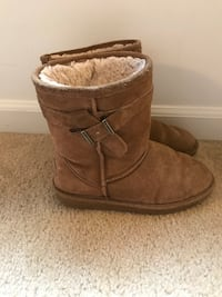 Bear paw boots-size 4 barely worn Germantown, 20874