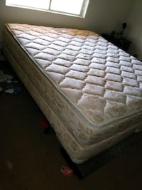 white and pink floral mattress Bakersfield, 93307