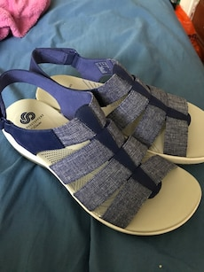 Clarks sandals brand  new in box size 8