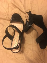 Nina Shoes, 8.5, Worn once. Roselle, 07203