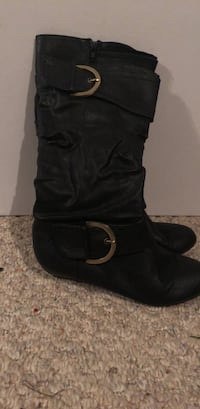 Black flat boots with gold buckles Halifax, B3T 2G4