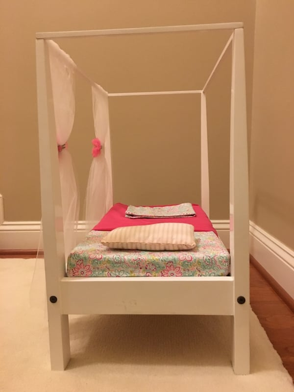 Doll bed with canopy fits American Girl doll f413e4ff-474a-4c66-be45-8fdf72de0619