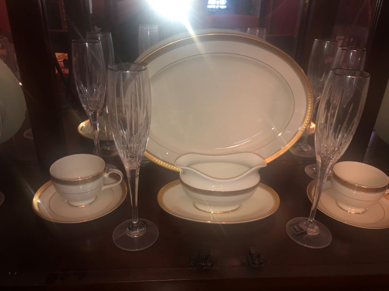 Mikasa Fine China / Crystal Stemware / Waterford Flutes 5