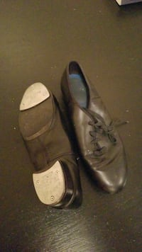 pair of black leather shoes England, 72046
