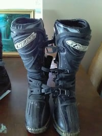 pair of black O'neal leather motocross boots