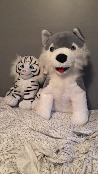Big plush animals wolf and tiger Dover, 19904