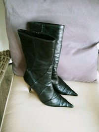 Woman's Stunning Leather Boots. Size 8