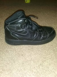 Black air force 1s size 10 Las Vegas, 89119