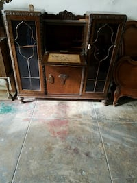 Beautiful wooden and glass Antique desk  Los Angeles, 90006