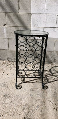 Small glass end table  Los Angeles, 91335