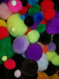 Crafters pom poms for DIY projects Essex, 21221