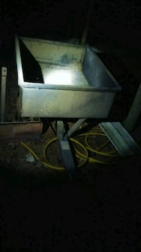 Dump trailer that hooks to your lawn mower Wayne County, 28333