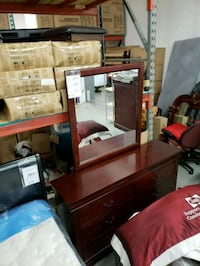 New wooden dresser with mirror on sale  Toronto, M9W 1P6
