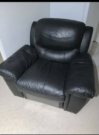 FREE DELIVERY TODAY ONLY!???? BLACK LEATHER  COUCH  SET - GREAT CONDITION Toronto, M1E
