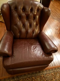 Extendable tufted brown leather sofa chair Vancouver, V6E 1A7