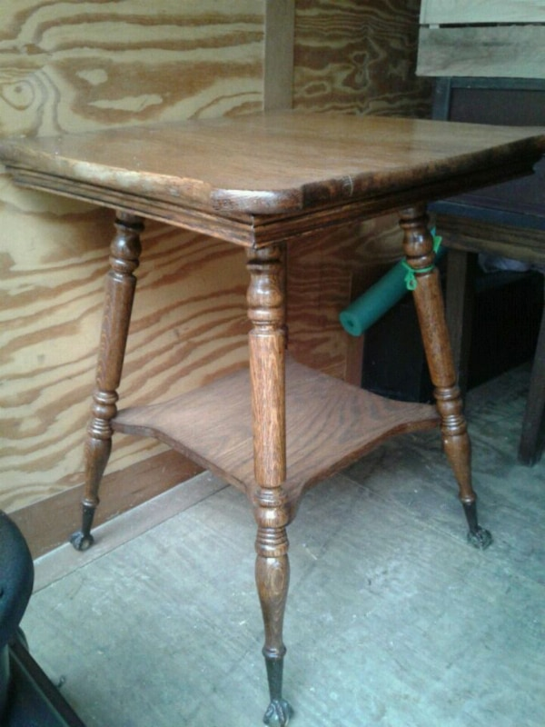 Antique Claw Foot Table With Gl Ball Feet