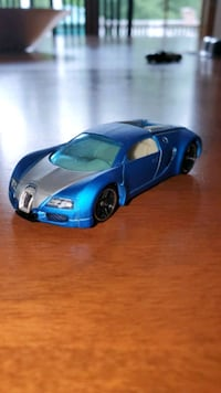 blue and white coupe scale model Poughkeepsie, 12603
