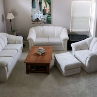 White sofa set with Queen pull out bed. Corona, 92882