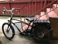Electric Bike W/ Throttle (25mph). Comes with 2 helmets and chain lock Seattle, 98104