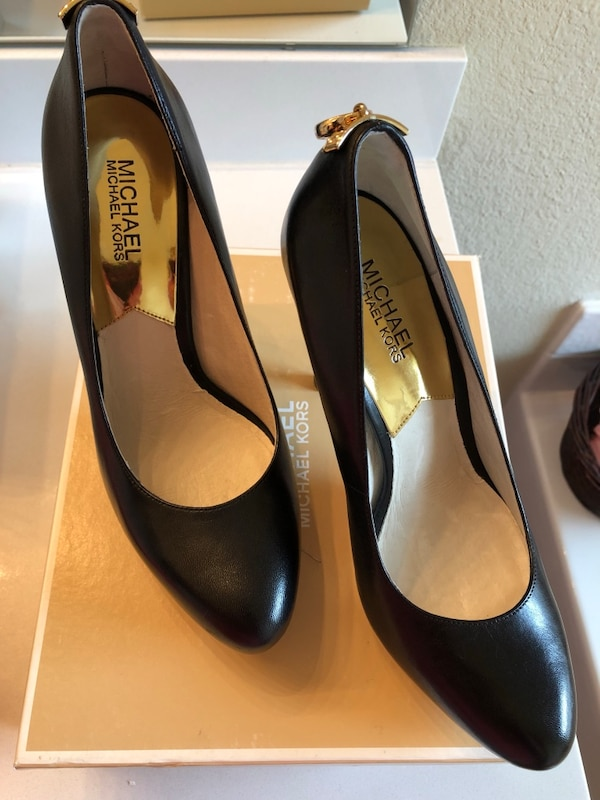 f665e8ccd Used Michael Kors size 9m heels for sale in Fort Worth - letgo