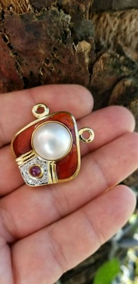 18 karat south sea pearl diamond and Ruby pendant Hollywood, 33019