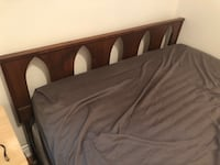 Double bed frame Toronto, M6H 3Y4