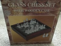 Glass chess set with wooden case. Hanover, 21076
