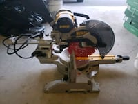 Dewalt  barely used compound  miter saw Toronto, M3K 1K6