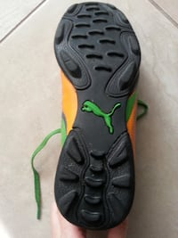 Youth Puma soccer shoes - Size 5 Newmarket