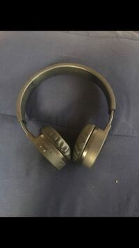Black Bluetooth iworld headphones Garfield Heights