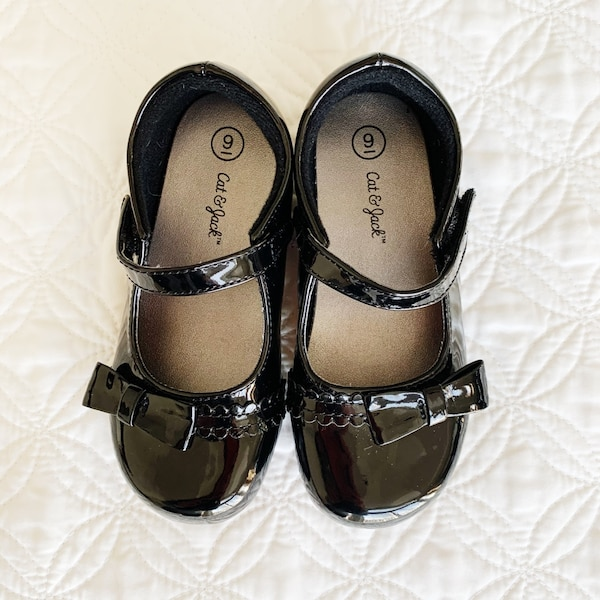 Cat and Jack Mary Jane Ballet Flats Black Size 9 c3e6cbaa-6143-4a1f-ac6d-47e071260f07