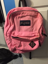 pink and black Jansport backpack 539 km