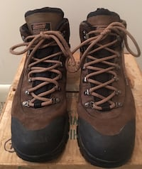New Coleman Men's size 11 waterproof leather boot Columbia, 21045