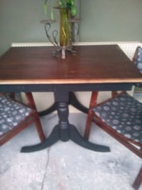 Beautiful antique table refurbished Toronto, M4Y 2L1