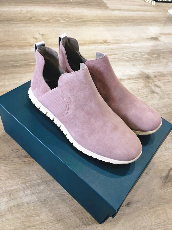 a14824f23971 Begagnad Cole Haan softest light pink women s slip on bootie size 9.5 till  salu i Frisco - letgo