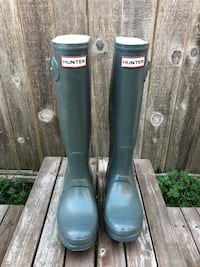 Hunter boots size 6 women's  Surrey, V3T 2S4