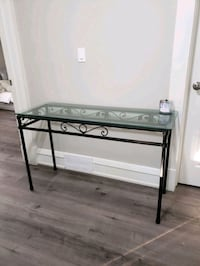 Console table Cambridge, N1R 2A4
