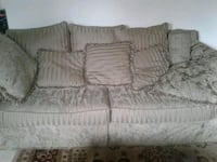 gray fabric 3-seat sofa Scarborough, M1E