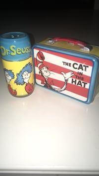 Cat in the hat salt and pepper shakers made of porcelain collectibles Lewisville, 75067