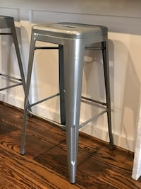 "Set of 4 metal bar stools, 30"" Washington, 20011"