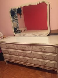 Dresser and Night stand Vaughan, L4L 3E1